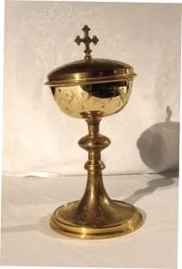 04-01-objets de culte24-Ciboire inscrit