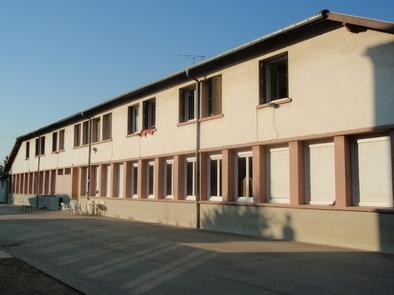 06-01-Le Bourg-Bât1-façade est-(2011-04-15)3