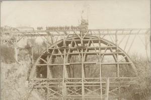 Construction du pont neuf (1882)